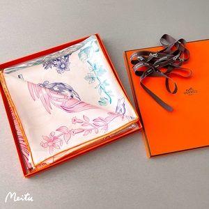 HP🦋!Authentic Hermès Double Face 100% Silk Scarf